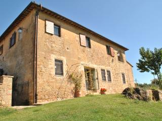Farmhouse in Southern Tuscany with Two Large Units - Casale Monticchiello - Paris vacation rentals
