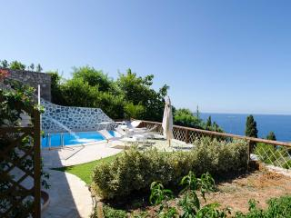 Amalfi Coast Apartment with Pool for Two Couples in Town - Greco, Praiano