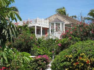 A & P's Strawberry House, Harbour Island