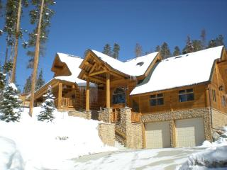 Mountain Log Cabin with Great Views of Lake Dillon, Silverthorne