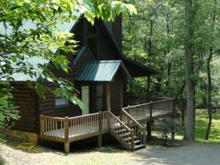 A Blue Ridge Beauty combines cozy and comfort with creekside and wooded forest perfect cabin retreat