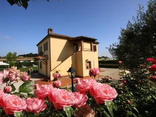 Cottage Sunflower Cortona  Tuscany - Tuscany vacation rentals