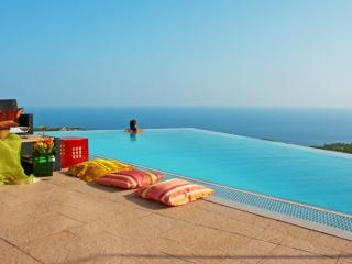 Superb luxury villa for your dream holiday: Anais, Lloret de Mar