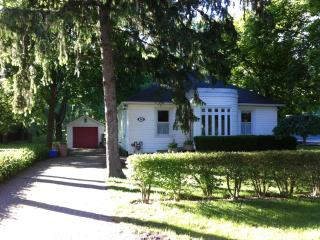 best location to shops,theatre,food & tennis court, Niagara-on-the-Lake