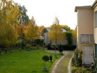 Vacation Apartment in Potsdam - 861 sqft, Ideal, idyllic, central, quiet location (# 3056)