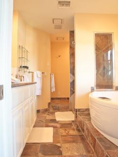 VRBO PH Master Bathroom