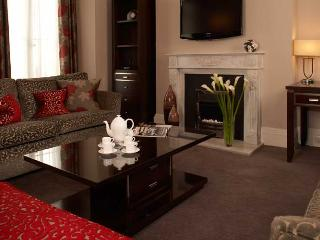 Exclusive Luxury 4 bed Apartment next to Harrods, London