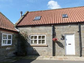 SNOWDROP COTTAGE, near Whitby, stunning walks, with a woodburning stove and a shared garden in Castleton Ref 16261