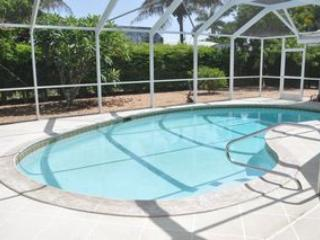 Montego Ct - MON921 - Only 0.6 Miles to the Beach!, Marco Island
