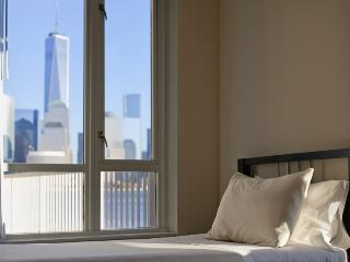 Sky City at The Harbor - 2-bedroom with private ba, Jersey City
