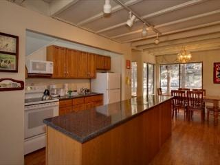 Cute Lake Tahoe Condo Located Near Everything (LV227), Stateline