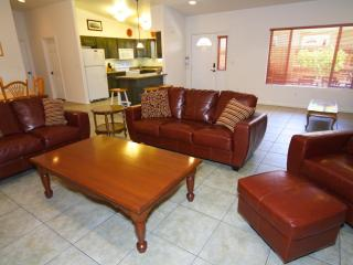 Best Location! In-town Spacious 3 bed 2 bath Condo, Moab