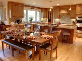 Two Master Suites, Great for Families & Groups! - Pacific Grove vacation rentals