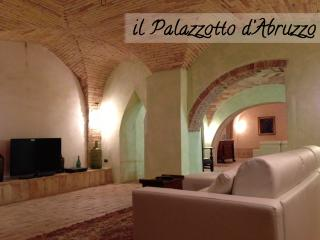 Palazzotto d'Abruzzo - The Italian great beauty - Abruzzo vacation rentals