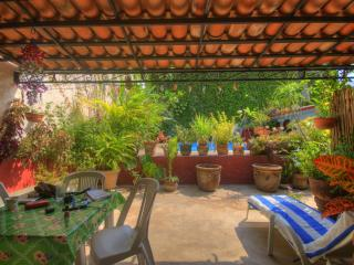Affordable Lodging Near the Beach - Bucerias, Nay