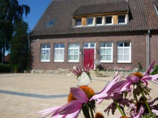 LLAG Luxury Vacation Apartment in Wettringen - 915 sqft, quiet, exclusive, in the country (# 3138)