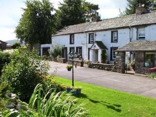GILL HEAD FARM, superb property, character, pets welcome, woodburners, en-suites, in Penrith Ref 14434