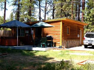 Heather Lake Cabin for 4 in ideal location, South Lake Tahoe