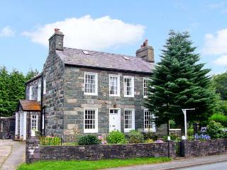 YNYS WEN, Grade II listed cottage, with open fire, off road parking, garden, in Llanberis, Ref 16708