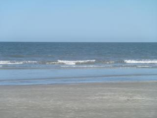 Ocean Front Resort, Updated and Comfortable -wifi, Hilton Head