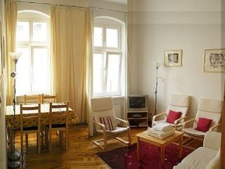 Vacation Apartment in Berlin - 538 sqft, central, quiet, classical (# 3186), Berlín
