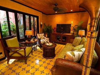 Villa Oasis - A luxury Villa just steps from beach, Tamarindo