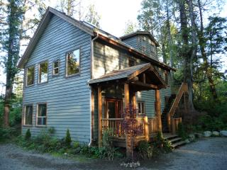 AlderView House, Tofino, British Columbia