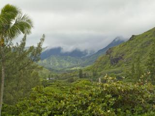 One bedroom on secluded sandy beach: no added fees, Hauula