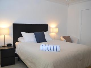 Deluxe Studio's, close to beach and shops!, Fort Lauderdale
