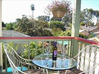 Island View Nest- Less than 5 min walk to beach access!, Santa Barbara