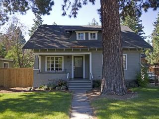 Pet Friendly, Hot Tub - Close to River Trail, Downtown, Bend