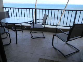 Eat out on the lanai