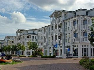 Vacation Apartment in Sellin - 474 sqft, impressive, bright, near many activities (# 3236) - Sellin vacation rentals