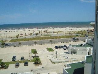 The Emerald 707 has it all... style, class, and views., Galveston
