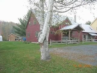 Chestnut Farm - 10 Bedroom Private Vermont Farmhouse With Outdoor Hot Tub!, Plymouth