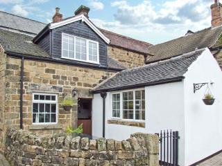THE COACH HOUSE, delightful cottage, with woodburner, off road parking, garden with summer house, in Crich Ref 12574