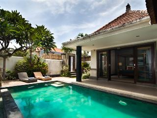 FANTASTIC VALUE, 3 BDR, Great Location, Near Beach - Seminyak vacation rentals