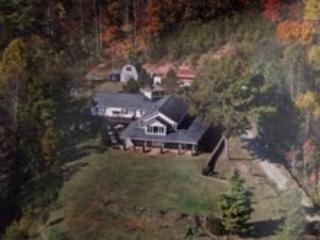 Mystical  Mountain Views. 6000 Sq Ft on 7 Acres,, Asheville