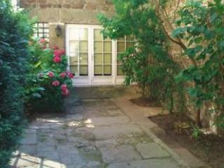 Beautiful 1 bedroom apartment in Dinan centre-A010