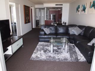 Towers Of Chevron Renaissance - 2 Bed Ocean Views, Surfers Paradise