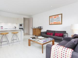 Melliss Ave - by onefinestay, Richmond-upon-Thames