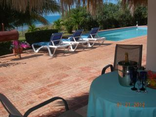 MARBLUE Villa Suites/Pineapple  - 4 you !, Treasure Beach