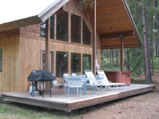 Magnificant Riverfront Cabin in Leavenworth, WA - Leavenworth vacation rentals