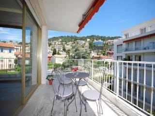 Coco- Wonderful Nice 2 Bedroom Apartment with a Terrace, Niza