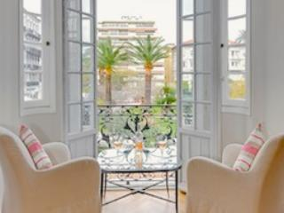 Rossini- Luxury 2 Bedroom Nice Apartment with Internet