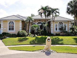 Henderson - HEN431 -  4-bed, 0.2 miles from Beach!, Marco Island