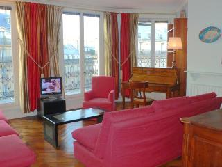 372 Two bedrooms Balcony 2 bath  Paris Luxembourg district