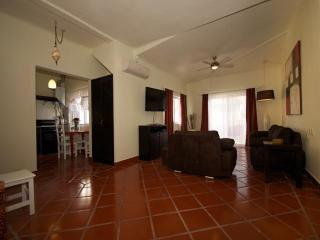 BUEN AIRE - 1 bedroom condo with 5th Avenue views!, Playa del Carmen