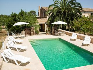 Picturesque remodeled country house Mallorca. WiFi, Sineu