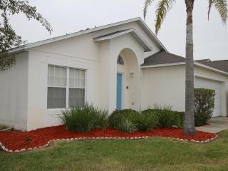 Room for 10 and private pool, Clermont